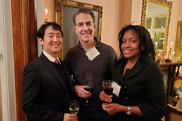 Associates donors pose for a picture in Chicago