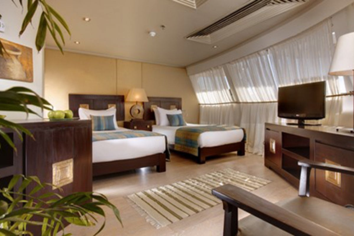 Nile Adventurer Presidential Suite with twin beds