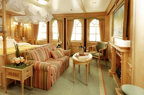 Sea Cloud II Owners Suite