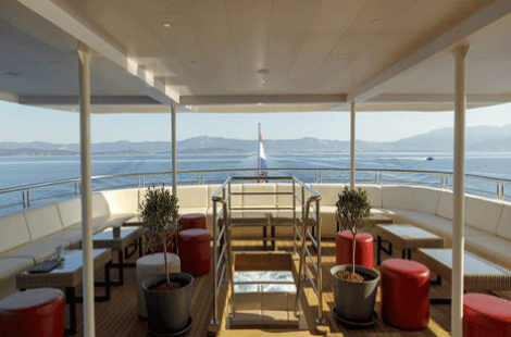 Queen Eleganza Sun deck